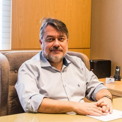 Dr. Carlos Gil Ferreira